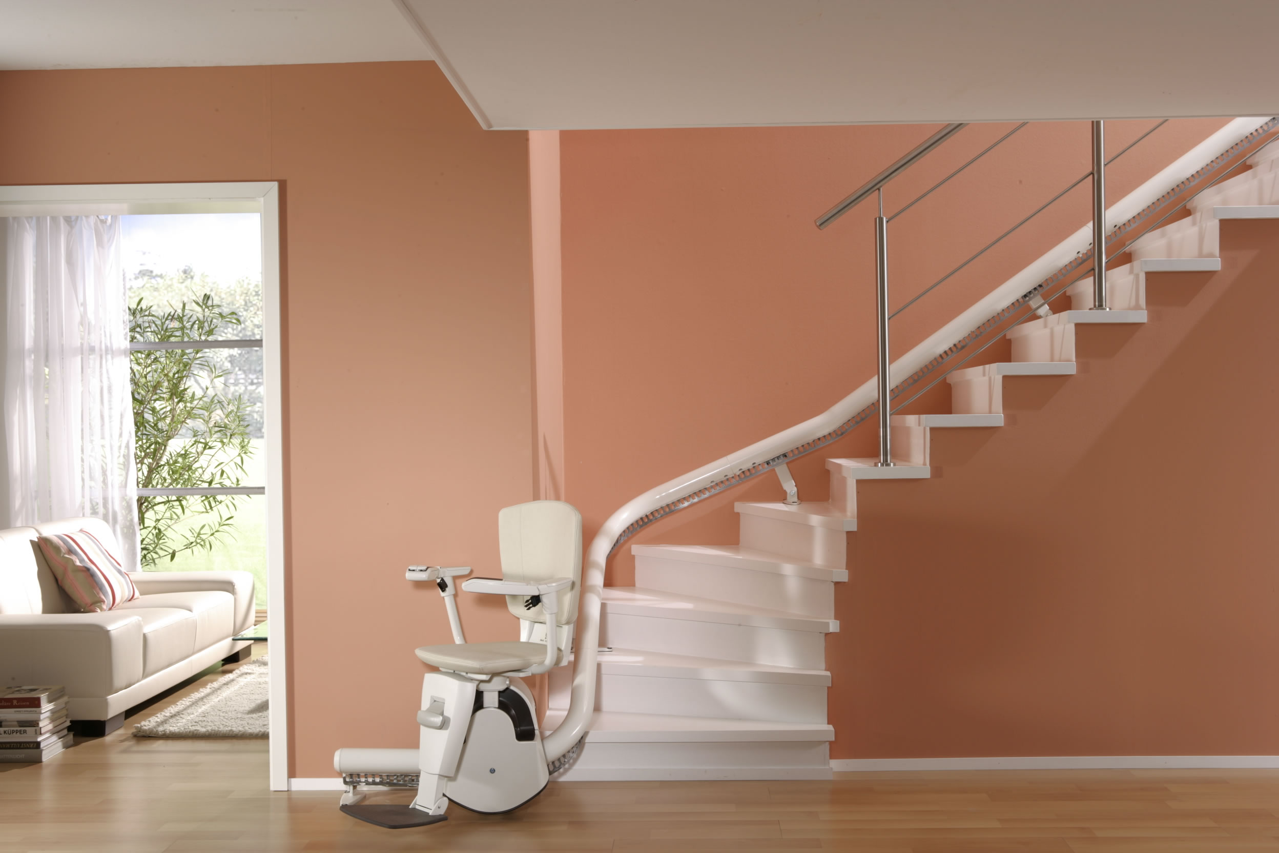 Freedom Tracker Wheelchair Lift : Enjoy freedom and convenience in your home